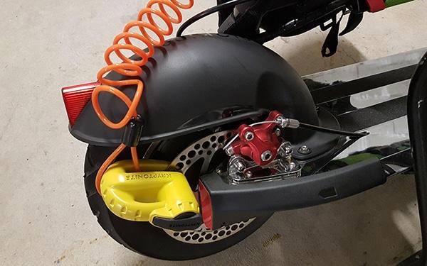 E-Scooter an der Bremsscheibe abssichern
