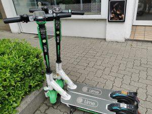 Lime E-Scooter erkennbar an der Farbe